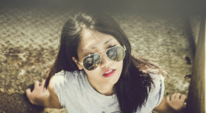 girl-with-sunglasses