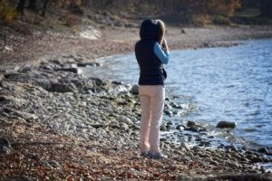 woman-at-lake