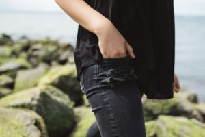 woman-in-jeans